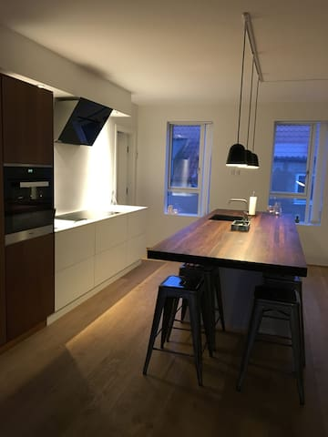 Room in a modern apartment in the heart of Aarhus