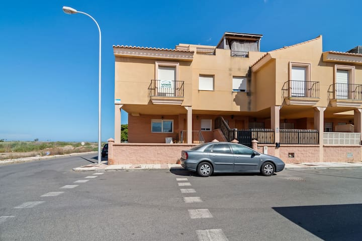 Lovely Holiday Home in Roquetas de Mar with Swimming Pool