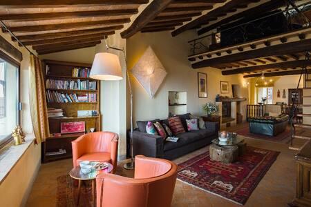 Dolce Vita: refined apartment in Cortona - Cortona - Apartment