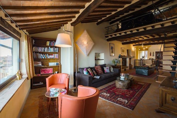 Dolce Vita: refined apartment in Cortona