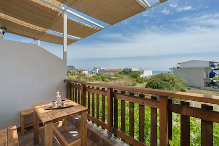 Apartment 40 m from sea -Balcony 2