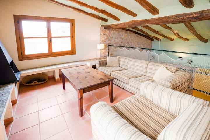 Gîte indépendant avec terrasse privée à Pira en Catalogne