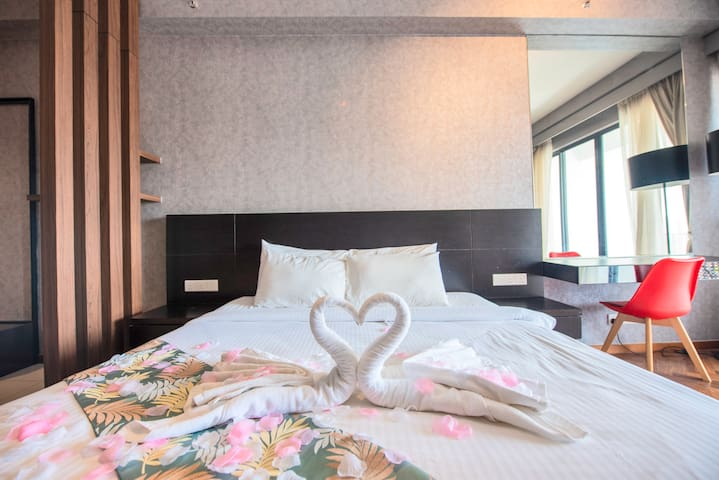 King size bed that perfect suit for couple~