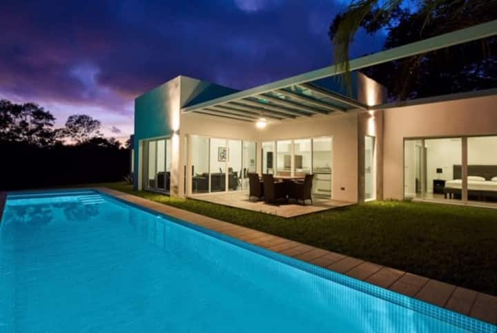 Modern Villa (2) Atop Samara bay
