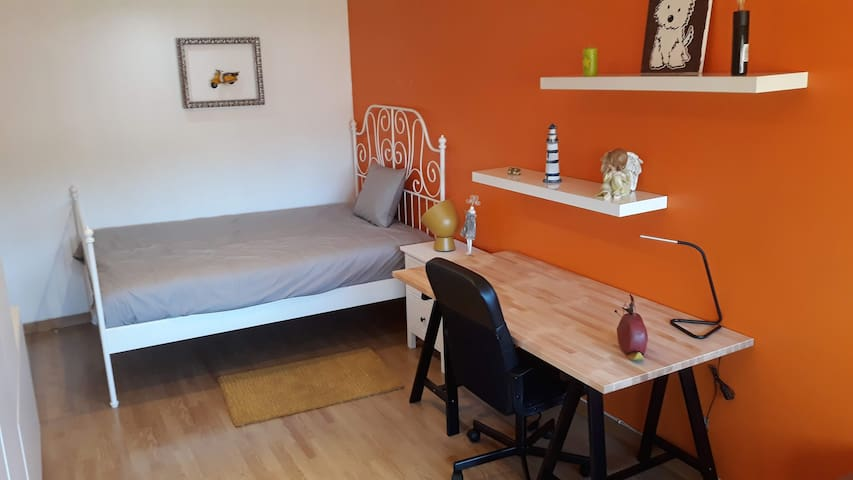 Apartment in Lisbon (next to the subway)