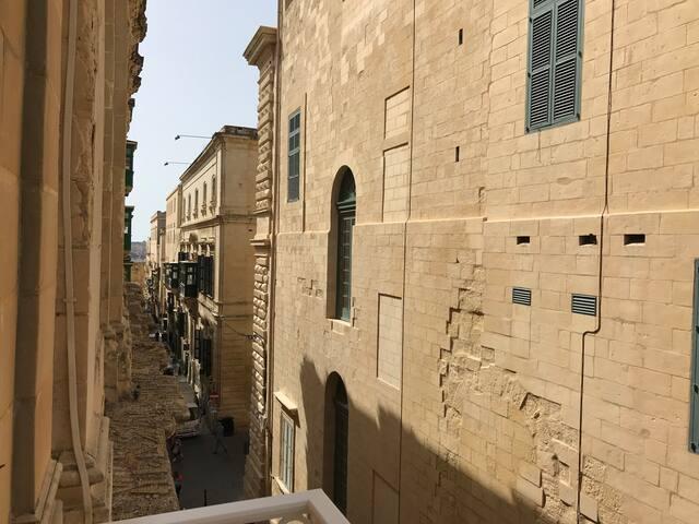 Studio Apartment - Valletta