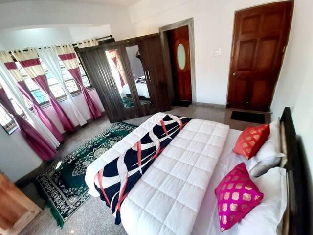 JUNGLE VILLA  PRIVATE ROOM with wifi  IN ANJUNA