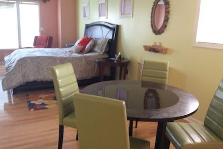 beautiful King/size private Room - Tucker - Casa