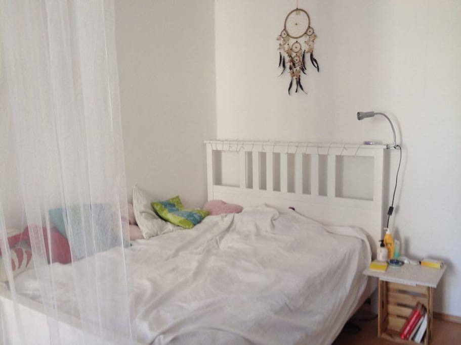 Schlafzimmer, Bett
