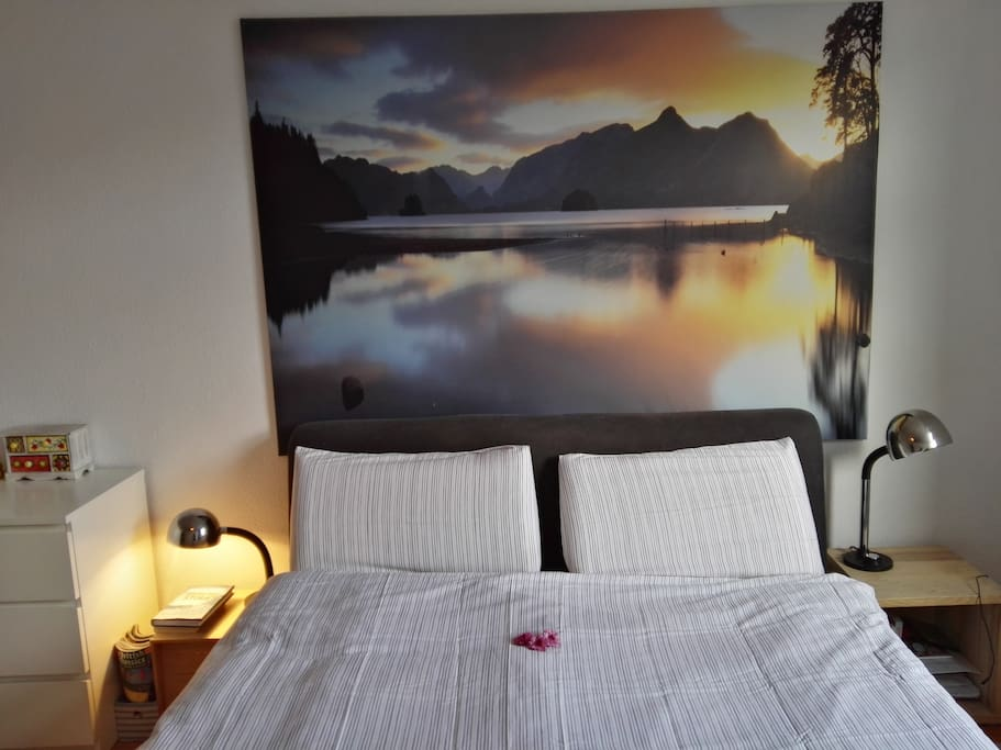 Das 160x 200cm Bett / the 160x 200cm bed