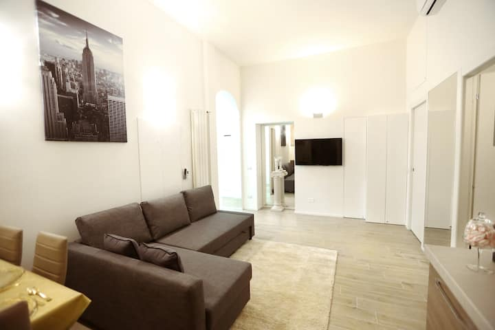 VINCI-LUXURY APARTMENT 100 mt from Central Station