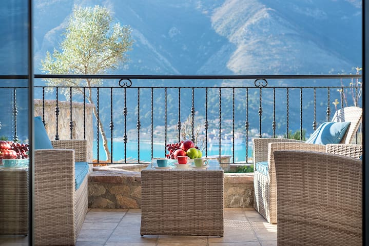Stone House in Kotor: 1 Bedroom Apartment for 4