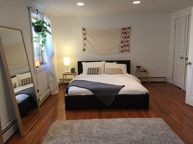 Spacious Bright Room in Heart of Williamsburg NY - Brooklyn - Haus