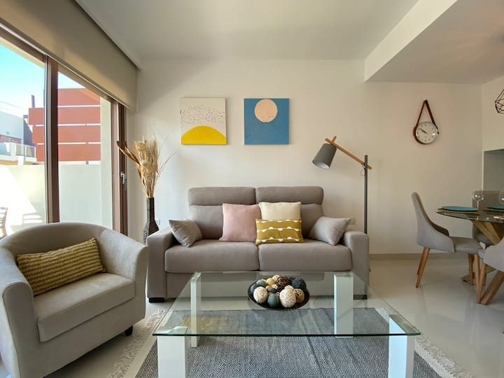 Mil Palmeras, cosy beachside flat (250m from sea)