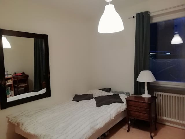 Room for 2 at the vibrant ♥ of Malmö