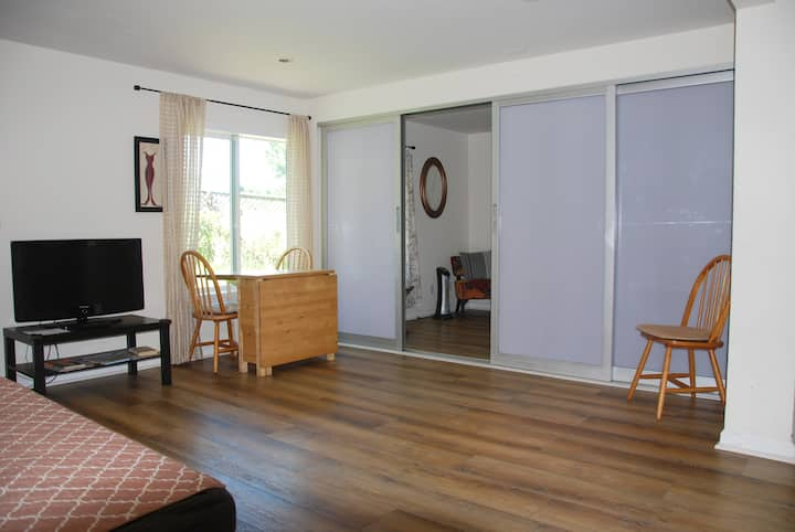 SF Hill Home w/Pkng & Yard - NOW EXTRA SANITIZED