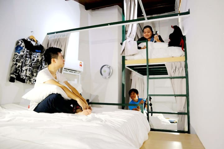 Play! Klang Coshtel (Mix Dorm - Bunk Bed)