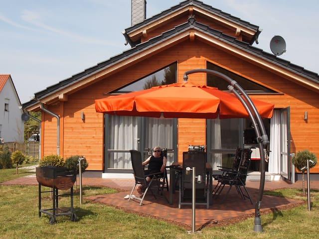 Idyllisches Haus *Villa Riesling* mit Sauna&Garten - Zempin - House