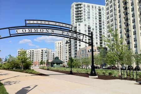 1 bdrm waterfront available: Harbor Pt, Stamford - Stamford - Appartement
