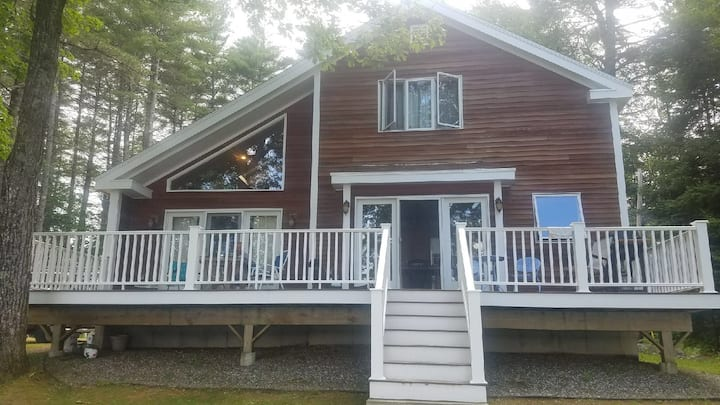 Beautiful Belgrade Lakes Lakefront Home.