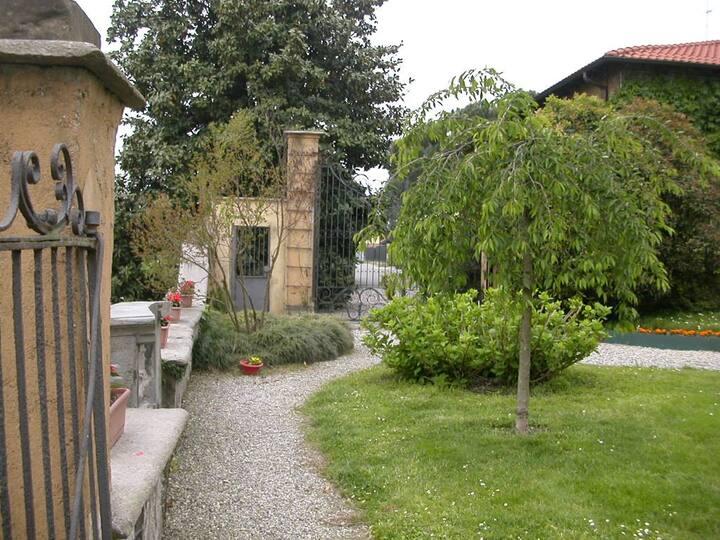 Casa con jardín a 300 m del metro MM2