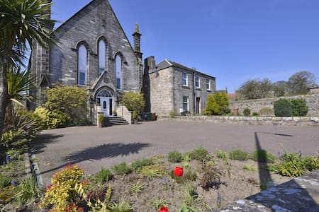 Double rooms in Victorian church - Kinghorn - Casa