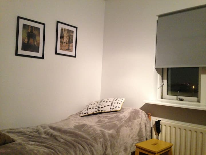 Single bedroom - great location