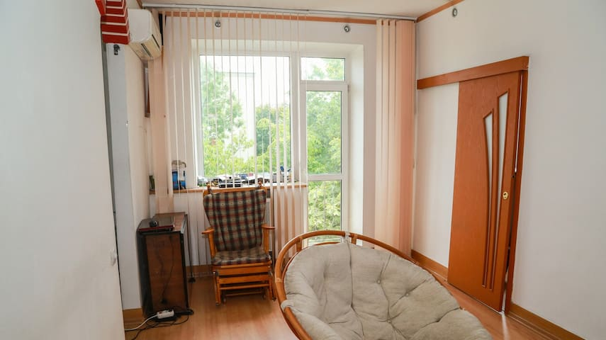Within 3 minutes walk from subway, bright and cosy - Minsk - Apartment
