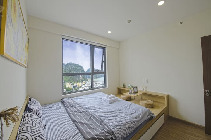 Hi-Home#88✩Deluxe 2BR Apartment✩SEAVIEW HALONG BAY