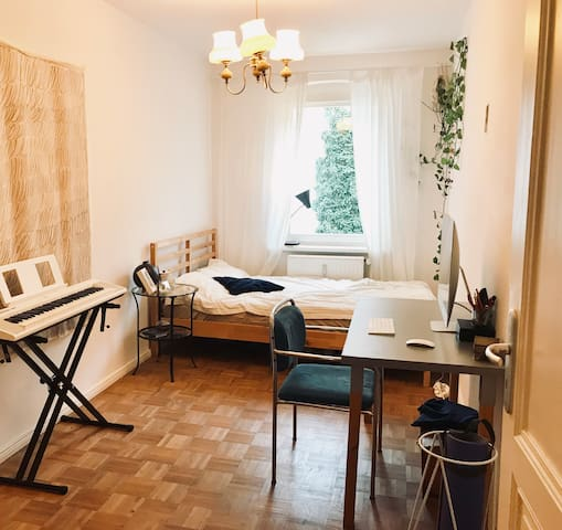 lovely room in heart of Berlin next to Mauerpark