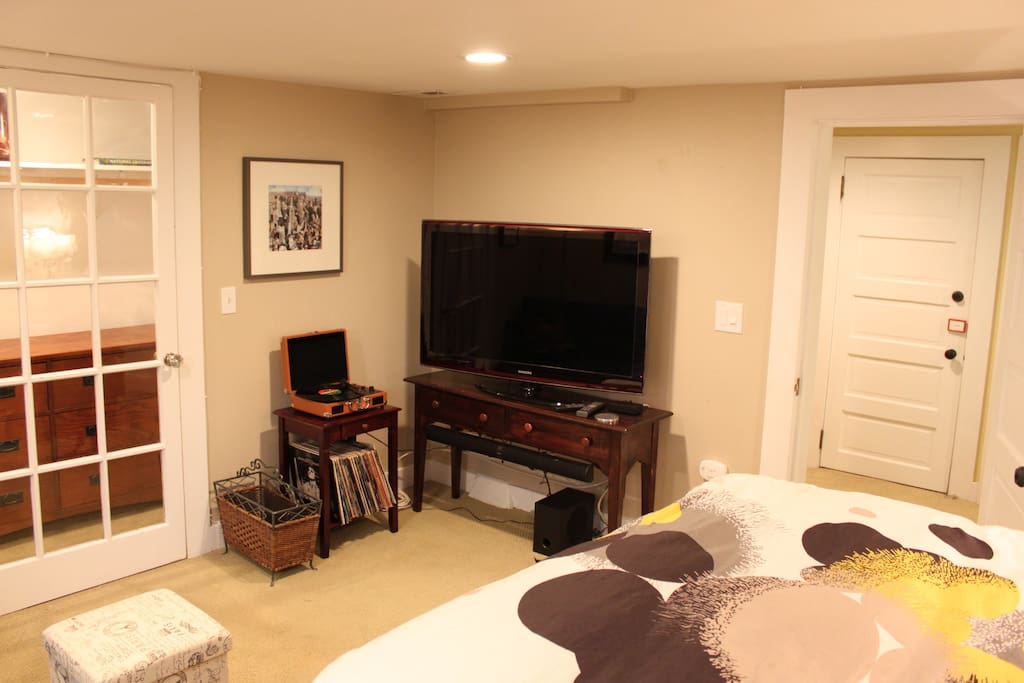 TV with Xfinity DVR including HBO, Showtime, Star, Cinemax, Netflix, and Pay-per-view movies