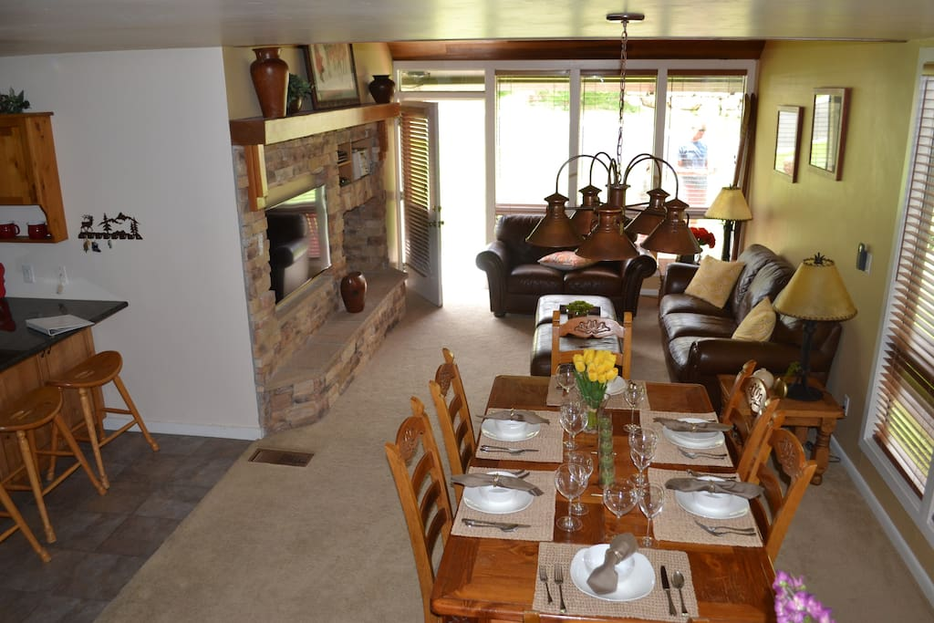 Open aired and peaceful family area, with hot tub on deck!