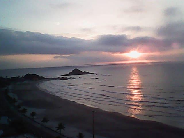 Apto  linda Vista do Mar - Pé na Areia / Itanhaem