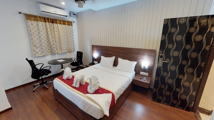 Luxury Stay Near Airport @ Passport Inn