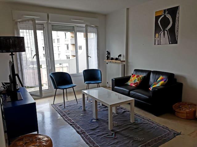Chambre privée dans un appartement proche de Paris