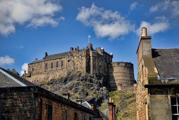The iconic Edinburgh Castle