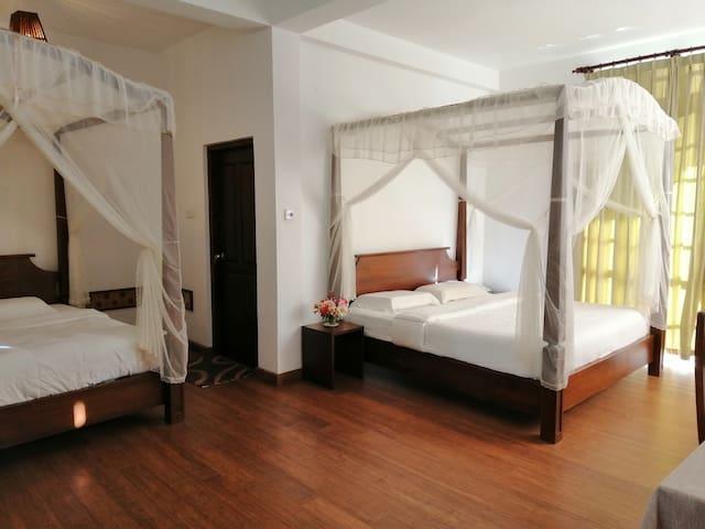 Melford Nuwaraeliya Deluxe Family Room
