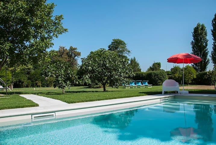 Signorile Appartamento in Villa con piscina - Campiano - Lägenhet