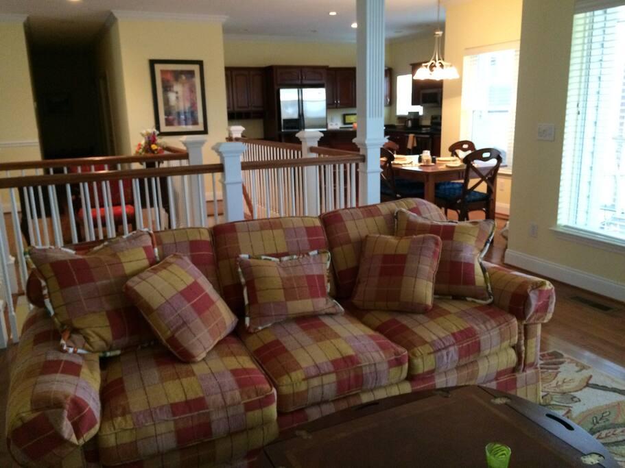 Open Floor, Family room
