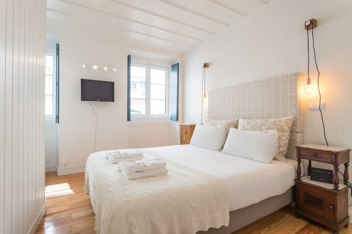Bairro Alto Central Apartment