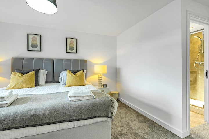 St Martins Apartments Luxury 2 bedroom Apt D