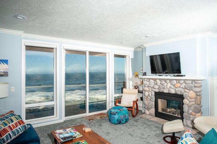 Ocean's Edge - Oceanfront Condo/WiFi/Pool & More