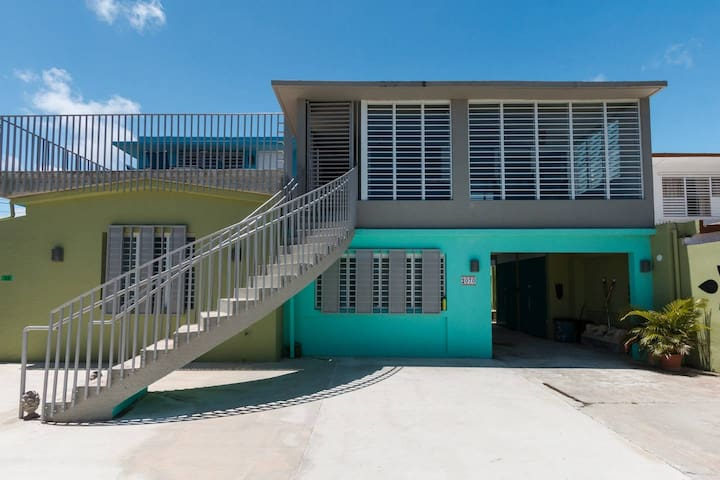 7 bedroom house steps away from the beach!
