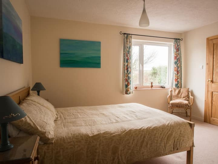 Self-contained hideaway in peaceful Penmon.