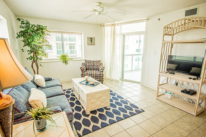 Blue Water Keyes 1101 - Oceanfront w/ Pools & Lazy River