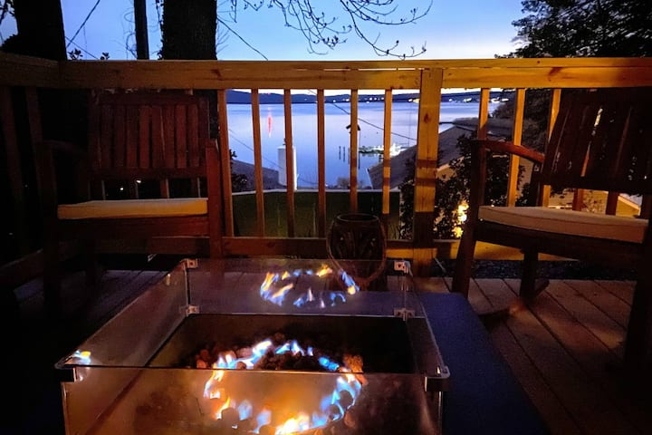 Recharge with a custom retreat weekend and enjoy fireside views of the Severn River