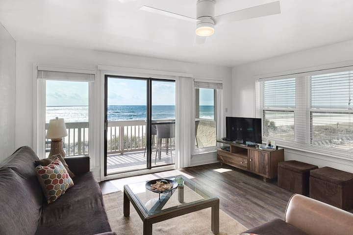 Inviting beach condo w/ stunning views, shared pool & beach access