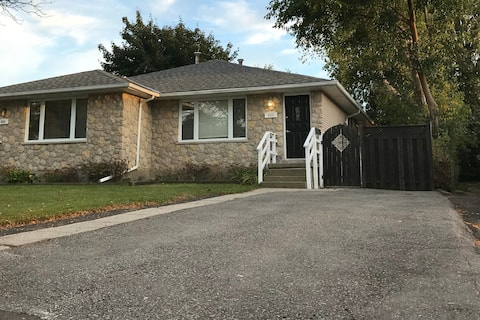 Modernized 5 Bedroom Home Welcomes You
