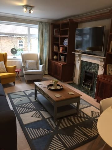 Luxury Flat for Big Groups/Families in Hampton
