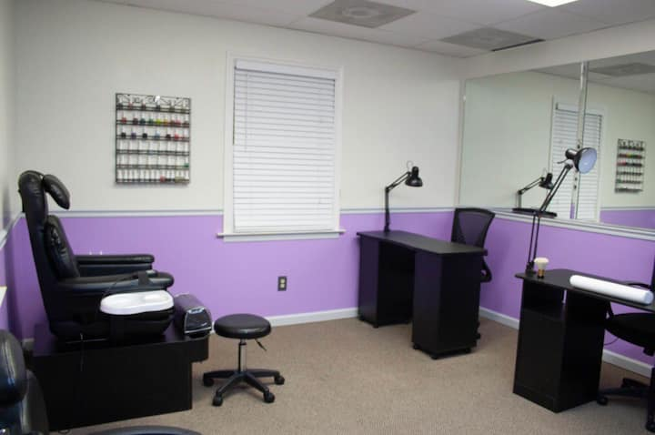 Booth Rental (Nail Techs)